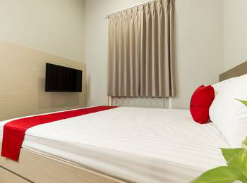 RedDoorz Plus at Patal Senayan - RedDoorz Room Regular Plan