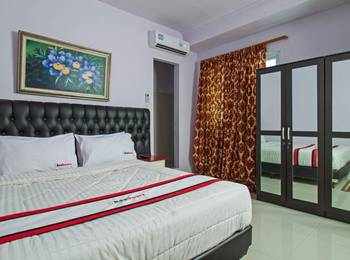 RedDoorz Plus @ Guntur Raya Setiabudi Jakarta - Reddoorz Room with Breakfast SPECIAL DEALS