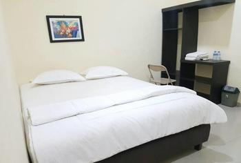 Hotel Surya Pontianak Pontianak - Deluxe Room Only Regular Plan