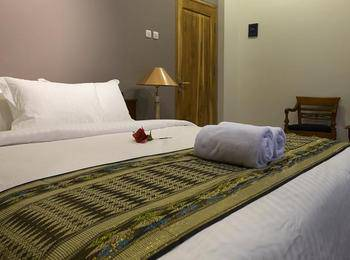 Helena Guest House Malang - Superior Double Room Only Regular Plan