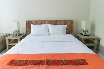 Kubu Kenak Guesthouse Bali - Deluxe Room with Breakfast Limited Promotion