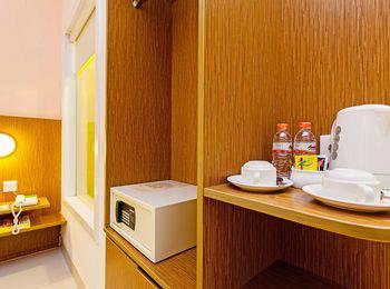 ZEN Premium Pancoran Jakarta - Double Room - Sarapan 1 Orang Regular Plan