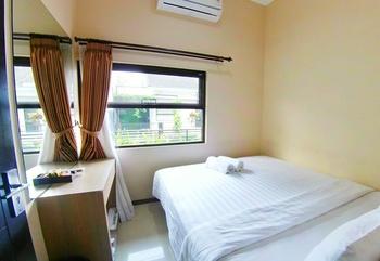 Villa 2 Bedrooms Near Museum Angkut No. 5 Malang - 2 Bedroom Villa Always On