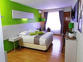 Accordia Dago Hotel Bandung - Deluxe Balcony With Breakfast Deluxe Balcony Room Weekend Promo