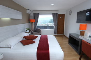 Accordia Dago Hotel Bandung - Deluxe With Balcony Room Only Weekdays Promo