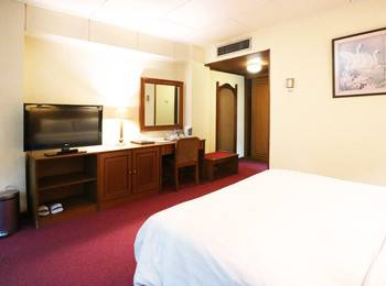 Hotel Melawai 2 Jakarta - Deluxe King Room Breakfast Included MINIMUM STAY 3 NIGHTS