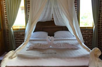 Beachouse Lovina Bali - King Suite with Ocean View Regular Plan