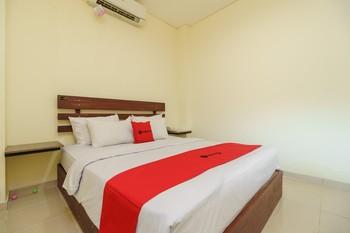 RedDoorz near Jembatan Siti Nurbaya Padang Padang - RedDoorz Room Basic Deal