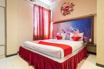 OYO 711 Salam Residence Syariah Medan - Deluxe Double Room Regular Plan