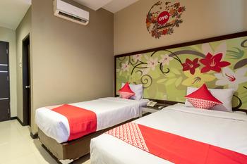 OYO 711 Salam Residence Syariah Medan - Deluxe Twin Room Regular Plan