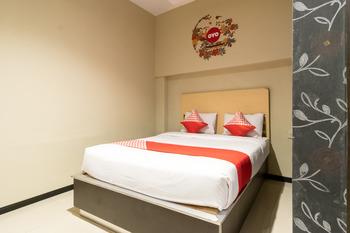OYO 711 Salam Residence Syariah Medan - Standard Double Room Regular Plan
