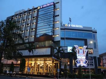M One Hotel