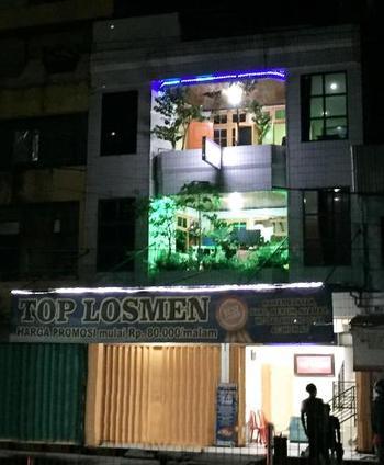 TOP Losmen