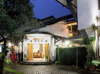 Rumah Asri Bed & Breakfast