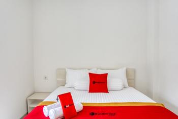 RedDoorz @ Plemburan Jakal 2 Yogyakarta - RedDoorz Room with Breakfast Regular Plan
