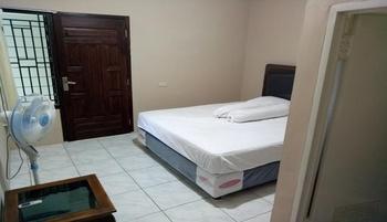 Homestay Joss Belitung - Economic Fan Room Regular Plan