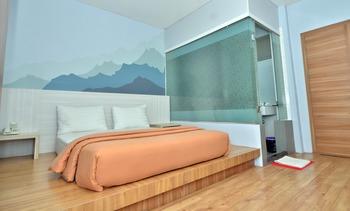 Hip Hop Hotel Banda Aceh - Deluxe Suite Room Regular Plan