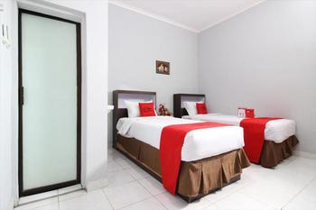 RedDoorz Plus @ Hotel Star 88 Yogyakarta - RedDoorz Deluxe Twin Room LM 1