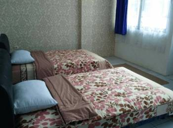 The Blessing House Bed & Breakfast Bandung - Deluxe Room Hot Deals