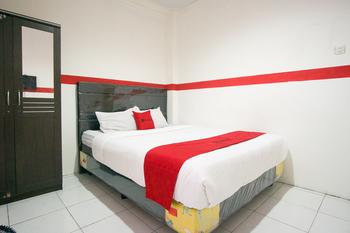 RedDoorz near Manado Adventist Hospital Manado - RedDoorz Room Regular Plan