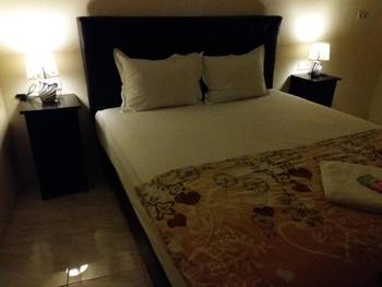 Beto Guest House Yogyakarta - Deluxe Double Room Basic Deal 40%