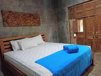 Watukarung Ristu Homestay Pacitan - Standard Deluxe Room Regular Plan