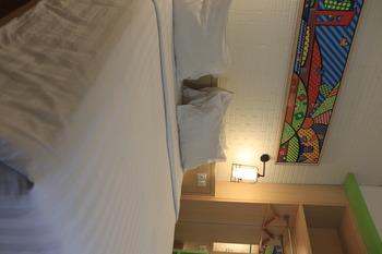 MaxOne Hotels Vivo Palembang - Junior Superior King With Breakfast Regular Plan