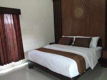 Artha Guest House Yogyakarta - Bali Room 2nd Floor With Balcony Regular Plan