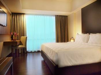 Arch Hotel  Bogor - Deluxe Double Room Only Great Deal