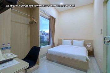 Cantik Syari Hotel Jakarta - Deluxe Room Only Basic Deal - 32%
