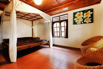 Bagus Bay Guest House Danau Toba - Superior room Shared Bathroom Minimum Stay