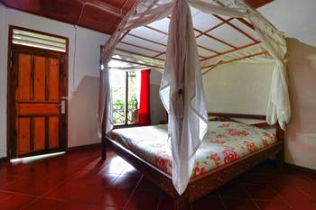 Bagus Bay Guest House Danau Toba - Deluxe Room Minimum Stay