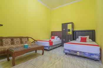 RedDoorz Syariah @ Pembangunan Street Cirebon - RedDoorz Twin Room Basic Deal