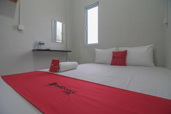 RedDoorz @ Jalan Pelita Batam Batam - RedDoorz Room Regular Plan