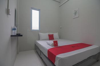 RedDoorz @ Jalan Pelita Batam Batam - RedDoorz Room Basic Deal - 5% Disc.