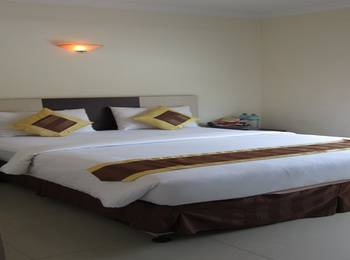 New Hollywood Hotel Pekanbaru - Deluxe Room Regular Plan