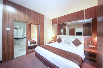 New Hollywood Hotel Pekanbaru - Business Executive Room Regular Plan