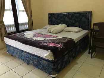 OYO 2681 Pondok Mutiara Sukabumi - Deluxe Double Room Regular Plan