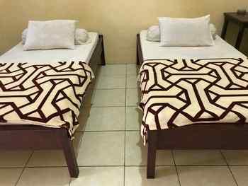 OYO 2681 Pondok Mutiara Sukabumi - Deluxe Twin Room Regular Plan