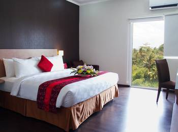 @HOM Premiere Cilacap - Deluxe Room Regular Plan