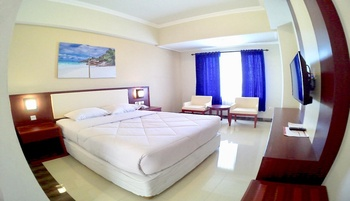 Hotel Tosan Solo Baru Solo - Superior Double Breakfast Regular Plan