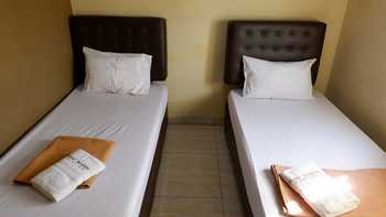 Hotel Ibrahim Syariah Semarang Semarang - Superior Twin Room Regular Plan