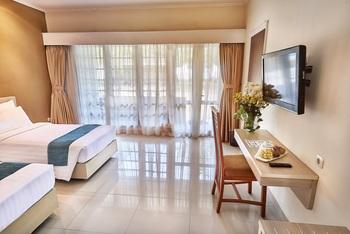 Patra Anyer Serang - Standard Room Big Deals