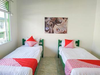OYO 3098 Hotel Sahabat Baru Singkawang - Standard Twin Room Last Minute Deal