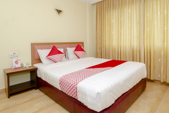 OYO 865 Halim Hotel Tanjung Pinang - Deluxe Double Room Regular Plan