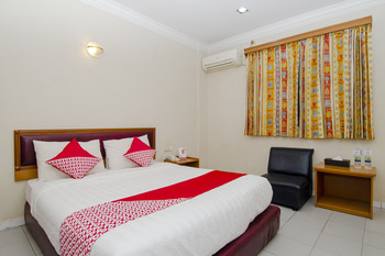 OYO 865 Halim Hotel Tanjung Pinang - Standard Double Room Regular Plan