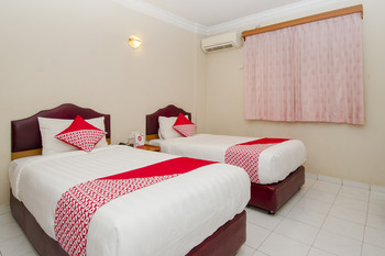 OYO 865 Halim Hotel Tanjung Pinang - Standard Twin Room Regular Plan