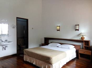 Berlian Resort Bogor - Family Villa 3 Bedrooms Room Only Regular Plan