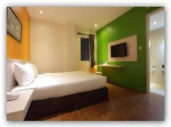 Hotel Dragon Inn Jakarta - Deluxe Room With Breakfast Regular Plan