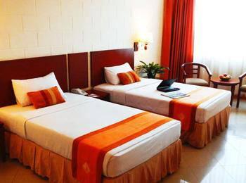 Mega Lestari Balikpapan - Standard Side Wing Twin Room Only Regular Plan
